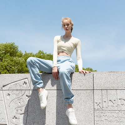 여성 요가복 DEVI-T0041-오트밀 필라테스 랩 크롭티 양방향 티 랩 스타일