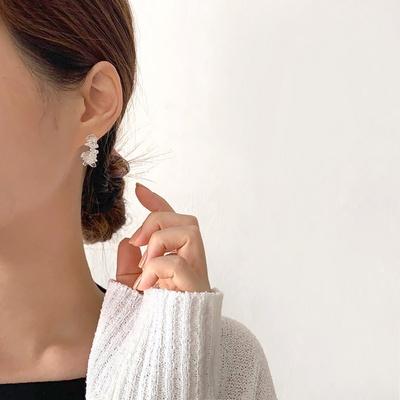 [925실버] 아이스 블러썸 유리조각 하프링 귀걸이