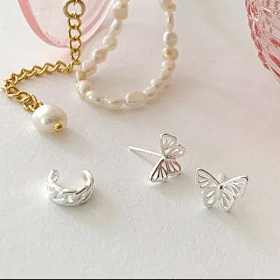 [925실버] 화이트실버 클래식 나비 귀걸이