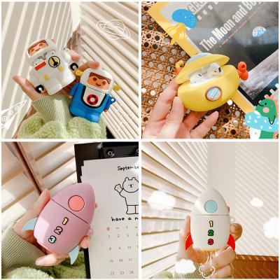 에어팟케이스 귀여운 커플 우주인 장난감 로켓 캐릭터 실리콘 무선 이어폰 충전 풀커버 철가루스티커 1 2