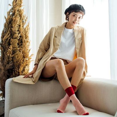 HENNY RUE_투톤 컬러 배색 중목 양말