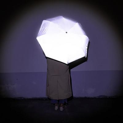 안전한 재귀반사 소재 리플렛츠 전면 발광 우산