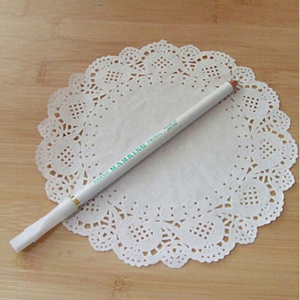 흰색 초크펜