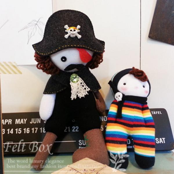 반제품 DIY kit- 해적 선장 블래크와 꼬마 해병 롤리카