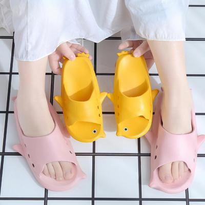 푹신한 여성슬리퍼 펭귄 캐릭터 여자 실내화 거실화 젤리 쿠션 샌들 사무실 학생 신발