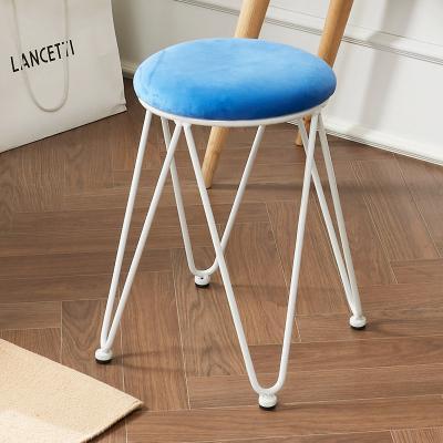 달린 디자인 스툴 의자