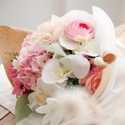 화이트난초 핑크 수국꽃다발