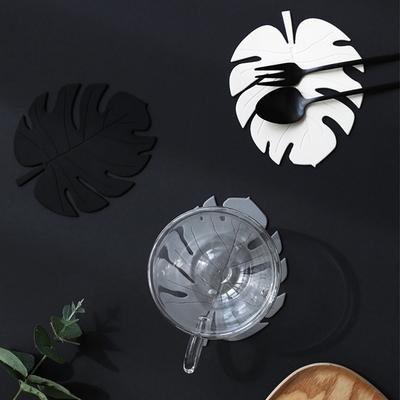 르리에 나뭇잎 실리콘 컵받침 2개세트