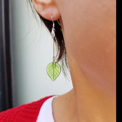 유리나뭇잎귀걸이