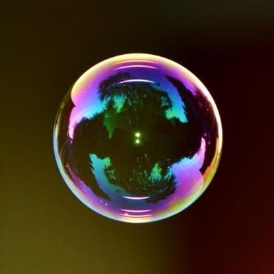 버블좀비_  비눗방울이 공중에서 자유자재로 날아다닙니다.