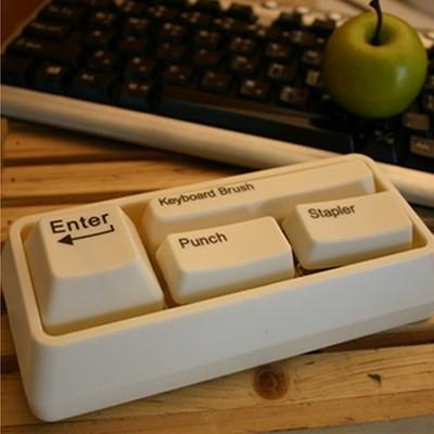 책상위에 작은센스 키보드모양 문구세트