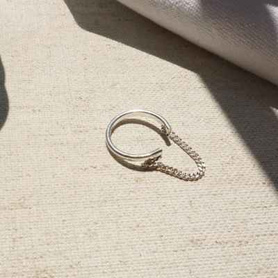 silver chain line ring