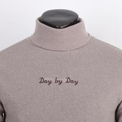 DYD 레터링 폴라넥 티셔츠