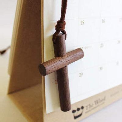 원형나무 십자가 목걸이