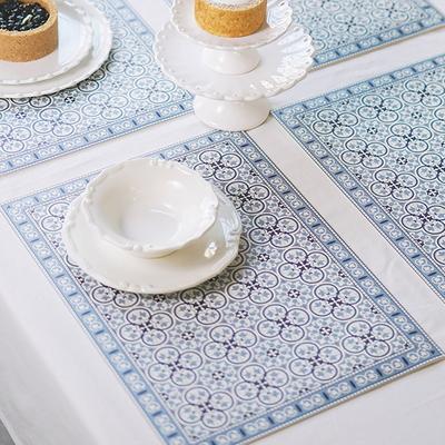 아다마알마 스페니쉬 패턴 방수 식탁 테이블매트 45x33