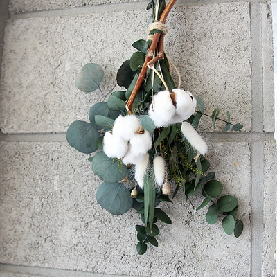 목화와유칼립투스꽃다발