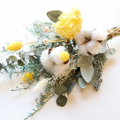 목화와 옐로수국꽃다발