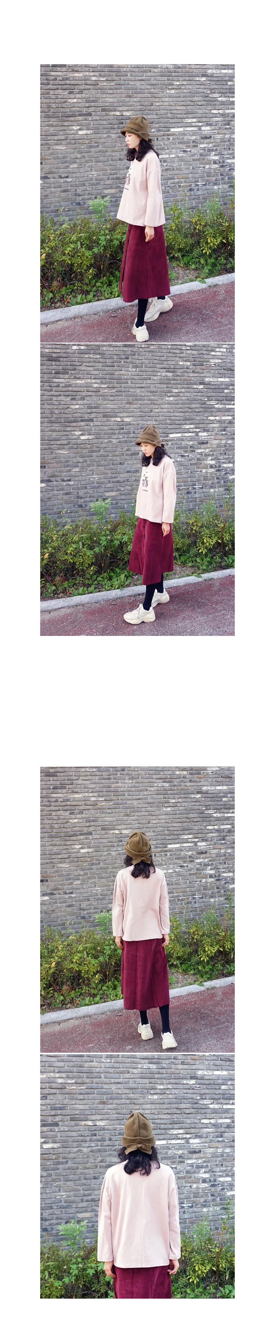 루즈핏 피치면 플라워자수 긴팔티셔츠 - 앞머리, 28,500원, 상의, 긴팔티셔츠