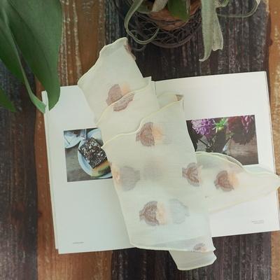 꽃한송이 로맨틱 봄 삼각 스카프