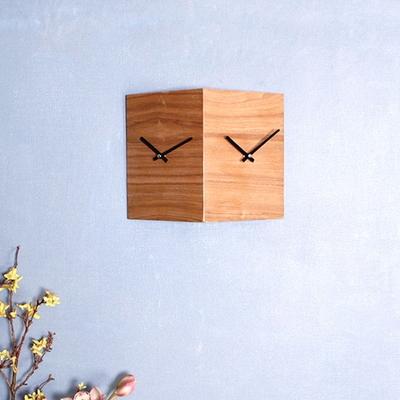 새먼-내츄럴 모던 양면 시계