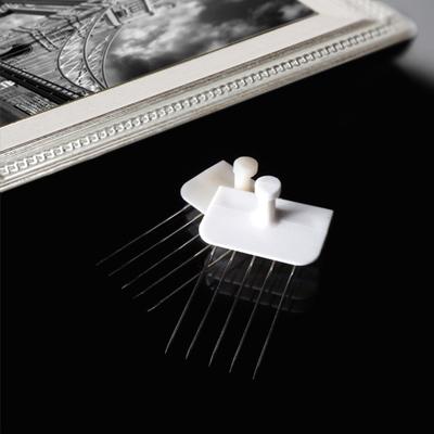 꼭꼬핀-벽지에 꽂아쓰는 다용도 걸이개