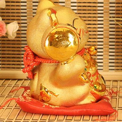 황금 마네키네코 고양이인형