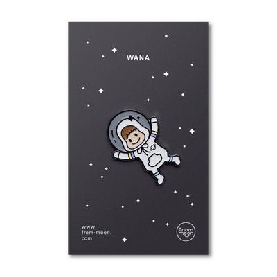 뱃지 - WANA in the UNIVERSE