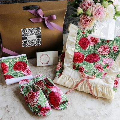 [가정의달 선물포장]카네이션 앞치마 슬리퍼 타올 세트
