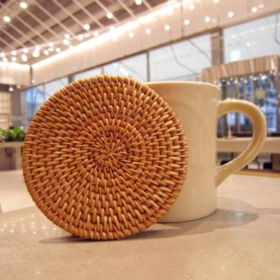 라탄 컵 받침