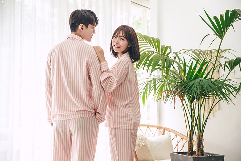 로제 커플 잠옷세트 이지웨어 홈웨어 - 로로걸, 19,900원, 잠옷, 커플파자마
