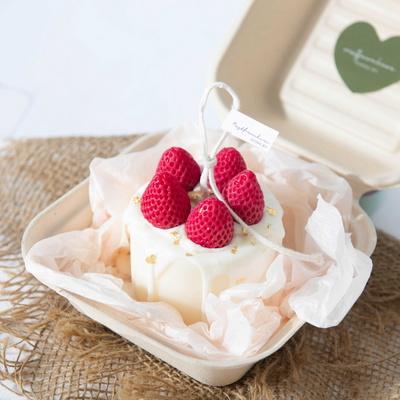 달콤함이 느껴지는 디저트캔들 소이왁스 딸기케이크캔들