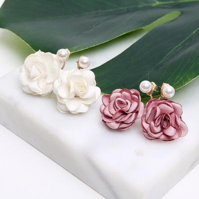 꽃 진주 귀걸이