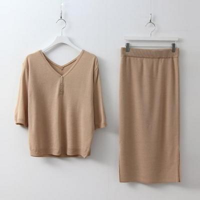 [Set] V-Neck Knit + Long Skirt