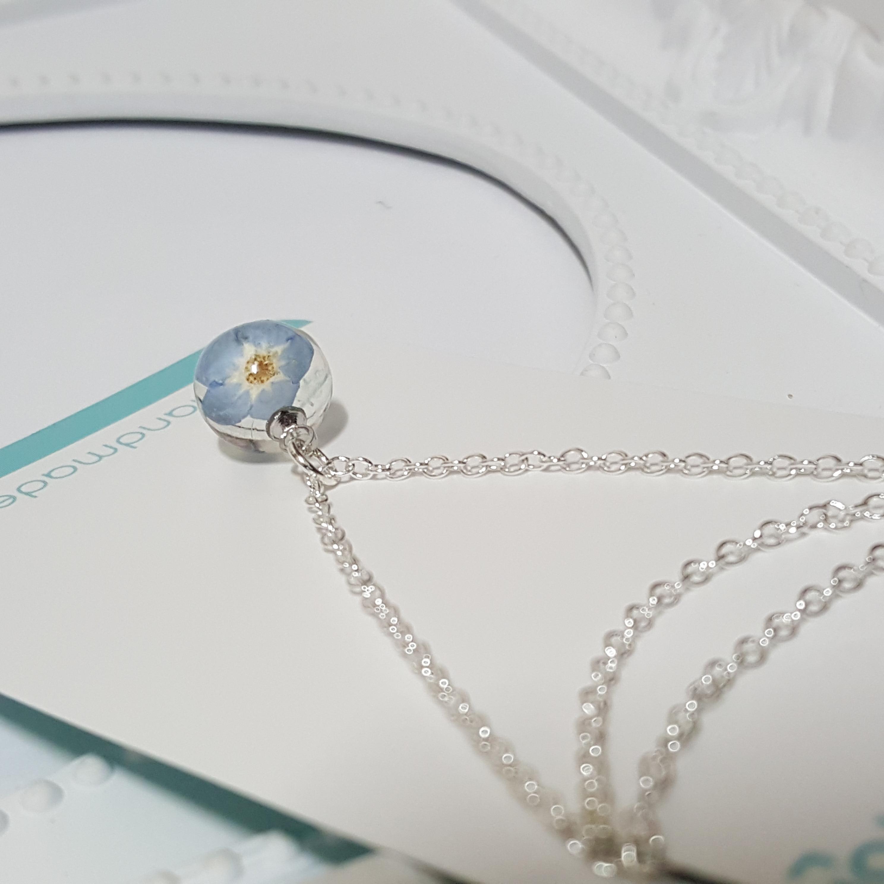 물망초 생화 레진공예목걸이 - 에를리안, 16,900원, 패션, 패션목걸이