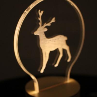 룩앳램프 사슴. Look at lamp - deer
