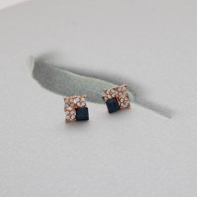 제이로렌 M01550 9월탄생석 사파이어큐빅 귀걸이