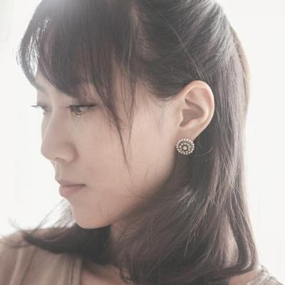 제이로렌 M01566 빈티지 스타의 큐빅 플라워 귀걸이