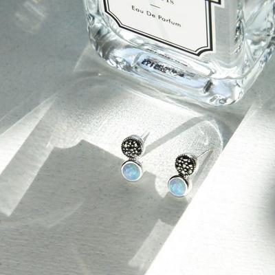 제이로렌 8M01899 10월탄생석 블루오팔 실버 귀걸이