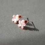 제이로렌 M02952 벚꽃 로즈골드 미니자개꽃 귀걸이