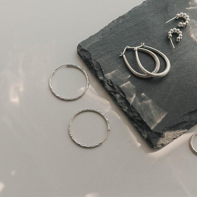 제이로렌 92M01376 시크한 컷팅 실버 링 귀걸이 (소)