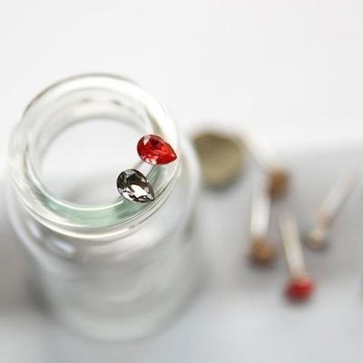 제이로렌 9M01556 물방울 컬러 스와로브스키 귀걸이