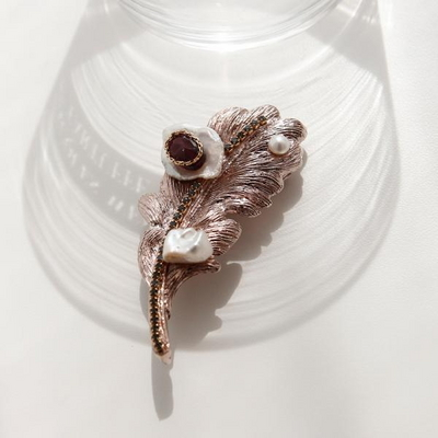 바이데이지 Bh0248 1월탄생석 가넷 나뭇잎 브로치