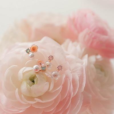 제이로렌 0M02874 로즈골드 미니자개꽃 귀걸이