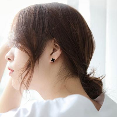 제이로렌 M03401 로즈골드 자개 오닉스 귀걸이