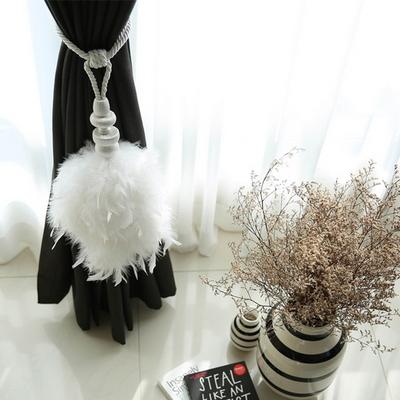 화이트 깃털 타이백
