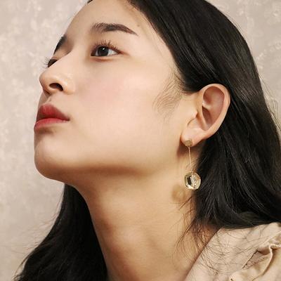 lemon quartz line earring