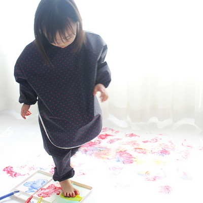 네이비 레드도트 상하 분리형 유아 미술가운