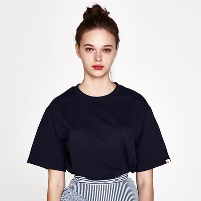 (UNISEX)백사이드 절개자수 포인트 오버핏 스탠다드 티셔츠 (Navy)