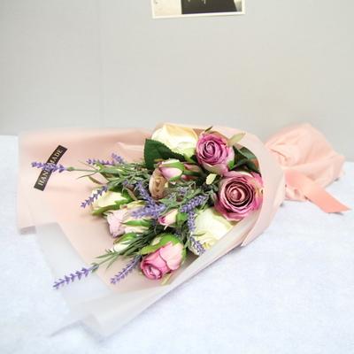 보라빛 장미 꽃다발