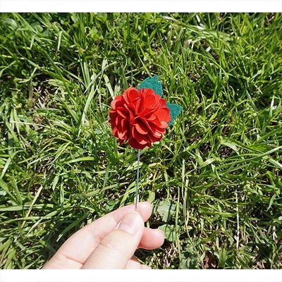 Gomgom Carnation Boutonniere